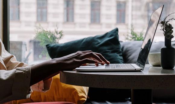Dang hinh anh Tim hieu dai ly cung cap dich vu dat ve online Tim kiem thong tin tren internet - Tìm hiểu đại lý cung cấp dịch vụ đặt vé online